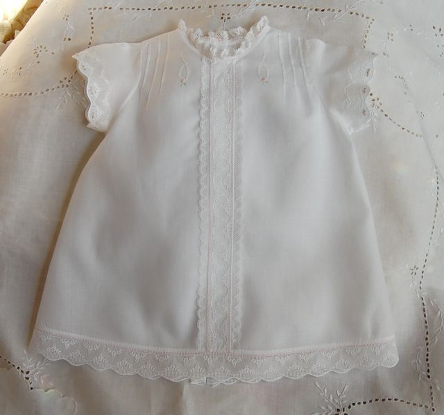 Kit for Swiss Best Embroidered Baby Clothes 1